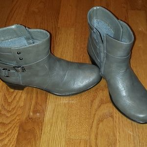 Like new gray booties